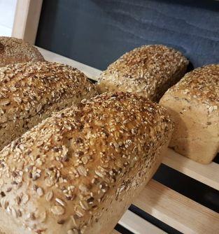Chleb ziarno - pieczywo żytnio-pszenne z ziarnami